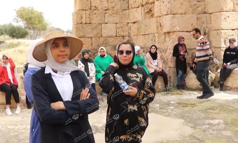 Photo of زيارة علمية لطلبة قسم الهندسة المعمارية بجامعة طرابلس الأهلية لمدينة لبدة الأثرية