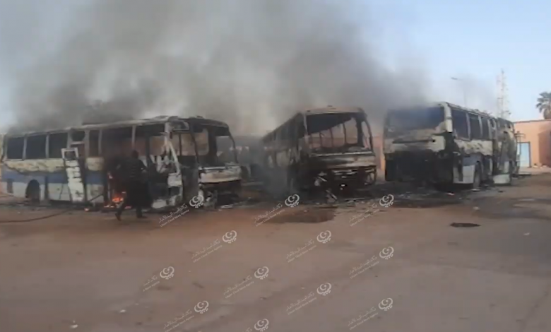 Photo of اشتعال النيران فى عدد من الحافلات العاطلة بسبها
