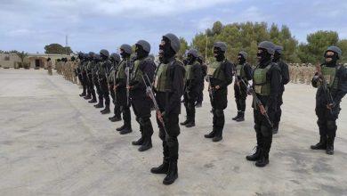 Photo of حفل تخرج الدفعة الأولى لقوات الصاعقة بقوة مكافحة الإرهاب فرع الخمس