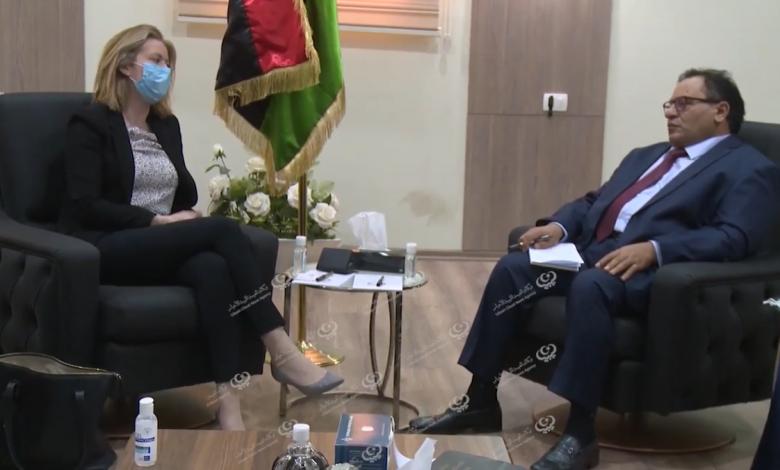 Photo of وزير التعليم العالي والبحث العلمي يلتقي القائم بالأعمال بسفارة المملكة المتحدة في ليبيا